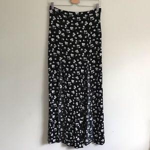 ⭐️3/$25 Forever 21 // Daisy Flower Slit Maxi Skirt